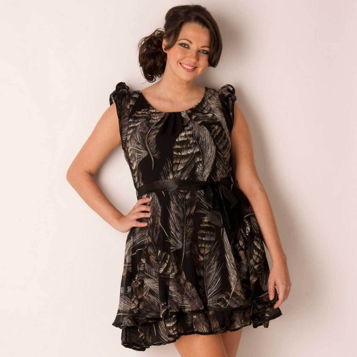 Rochie de ocazie plus size, de culoare neagra, cu imprimeu A