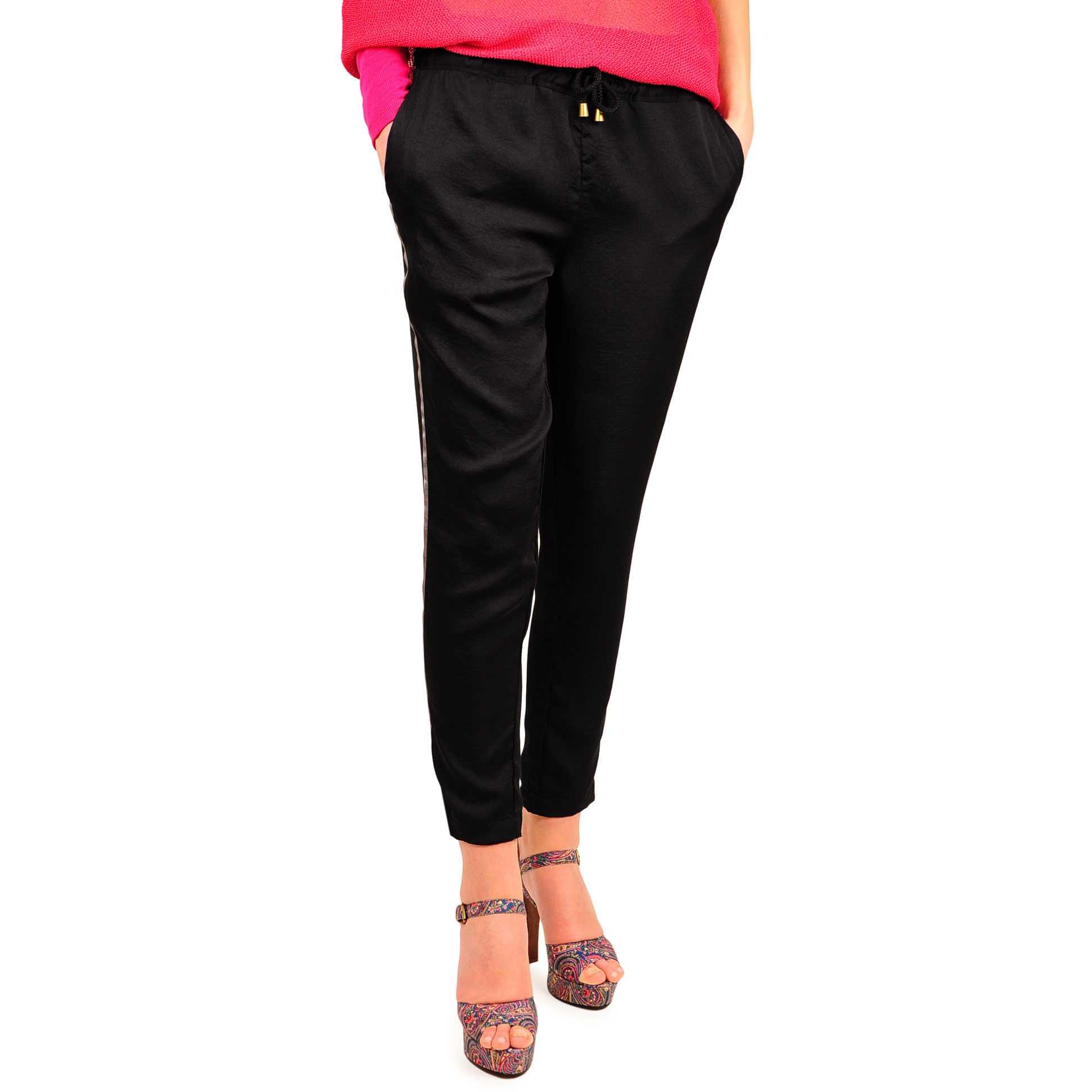Pantaloni negri cu snur D1704