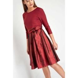 Rochie eleganta, de culoare rosu-inchis, cu funda decorativa